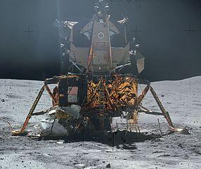 286px-Apollo_16_LM.jpg