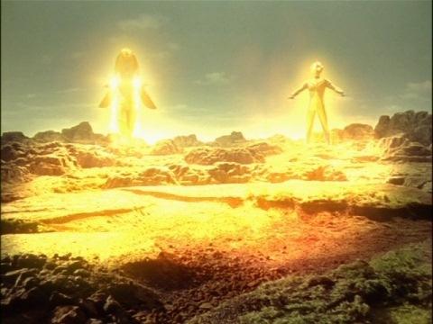 ウルトラマンコスモスとパラスタンで遊星ジュランの軌道を修正する