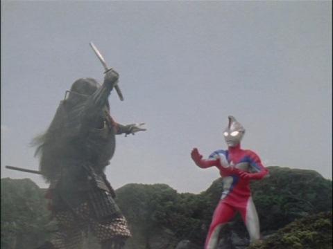 ウルトラマンコスモス(コロナモード)VS戀鬼