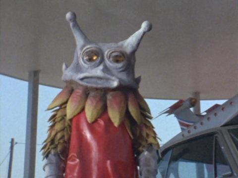 遊園地の怪獣ショーに紛れ込んでいたギロ