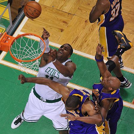 NBA FINAL 2010-4-2-davis