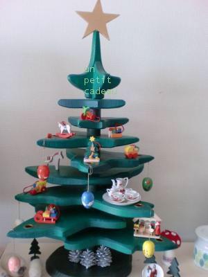 ボーネルンドの木製クリスマスツリー