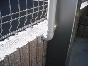 2010年12月23カーポート排水管1