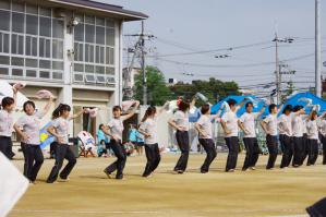 保育士さん達のダンス。