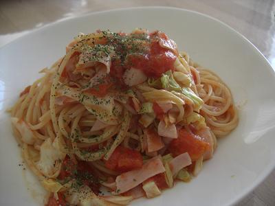 春キャベツとトマトのパスタ
