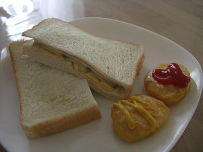 サンドイッチ&チキンナゲット