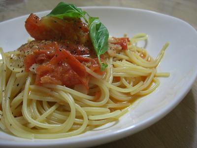 トマトのクリームパスタ
