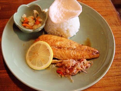 バリ風焼き魚の生サンバル添え