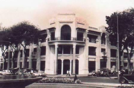 12  1927年