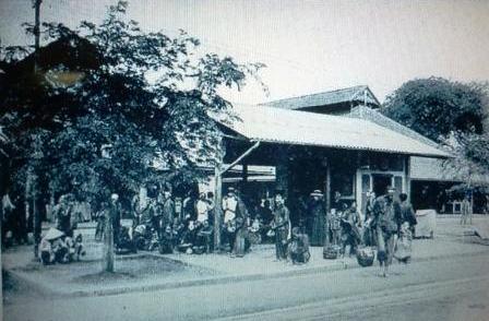 18  チョロン駅