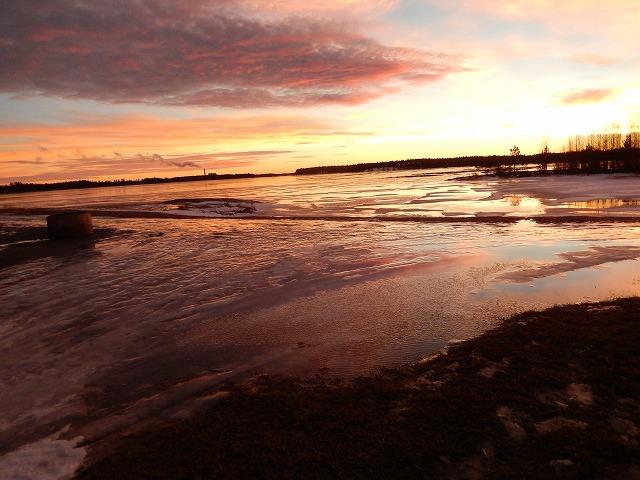 夕陽と湖1