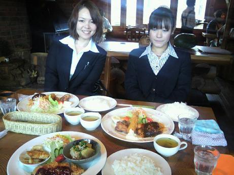 寺村さんと石崎さん二人とランチ