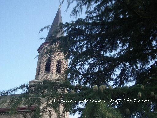 お墓のある教会