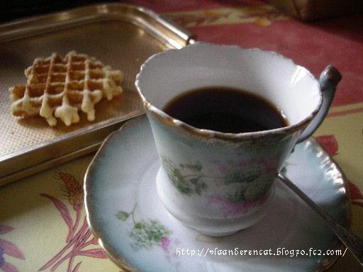 コーヒーとワッフル