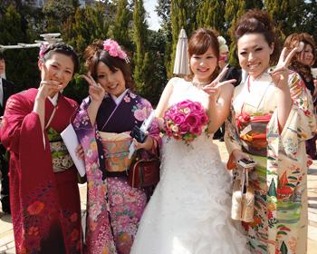 m-結婚式へお友達