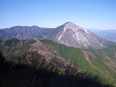 二子山からの武甲山