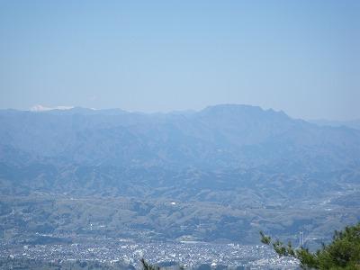 丸山から両神を見る