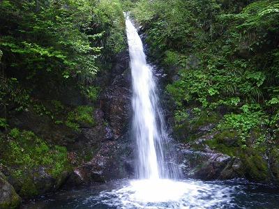 雨乞いの滝2