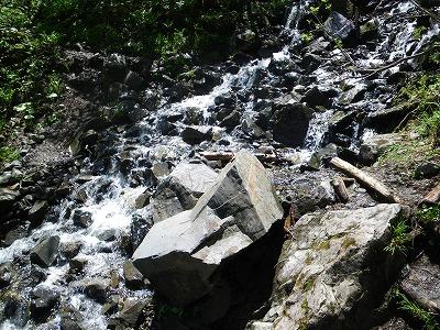 蝶沢の水場