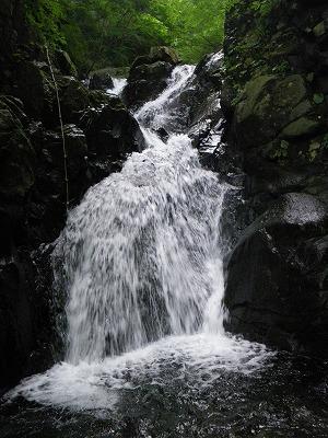 F2の上の滝