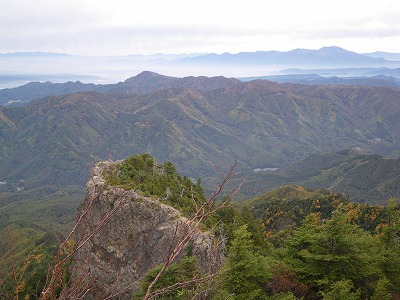 御座山からの四方原山