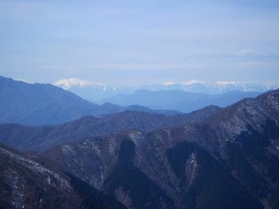檜洞丸の右に荒川岳