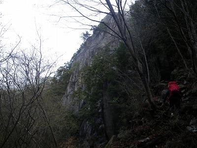 つづら岩南面