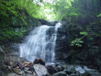 鶏冠谷魚止滝