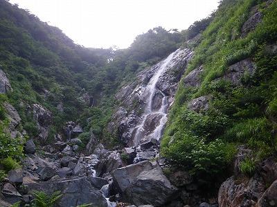 七ツ小屋沢の30m滝