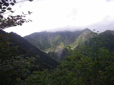 谷川頂上は雲の中