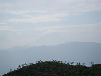 富士山がかろうじて見える