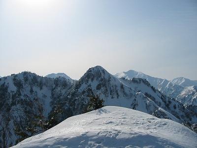 荒沢山から見る足拍子岳