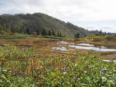 高谷池とテント群
