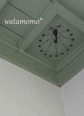 天井のクジャク