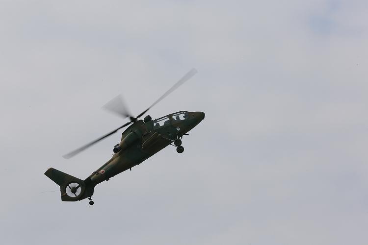 UH-60J_AH-64D_OH-107.jpg