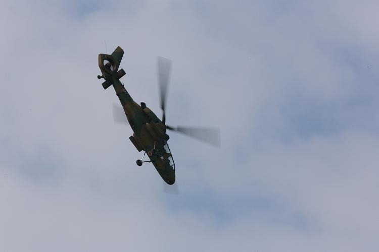 UH-60J_AH-64D_OH-108.jpg
