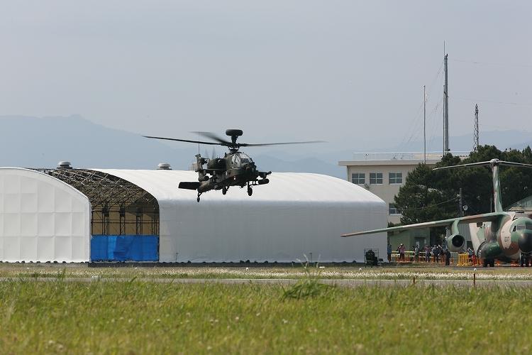 UH-60J_AH-64D_OH-109.jpg