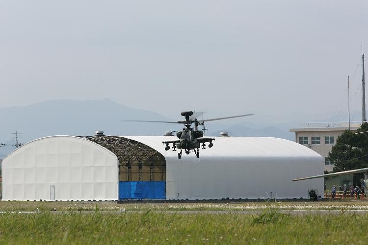 UH-60J_AH-64D_OH-110.jpg