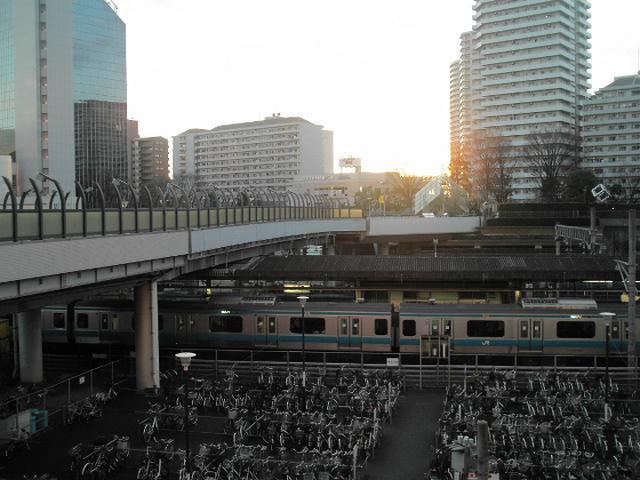 川口駅前の夕日