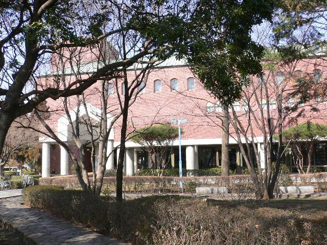 越谷市立図書館