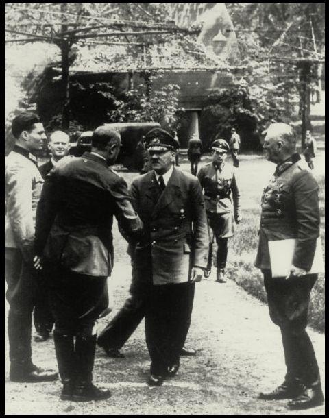 Stauffenberg am 15. Juli 1944 in der Wolfsschanze