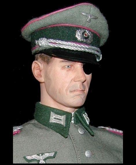 Stauffenbrg_DRAGON_Erwin Stangenberg_02