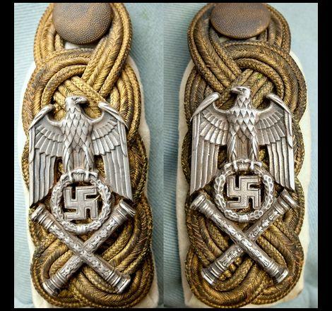 Hermann Göring_Schulterstück_Reichsmarschall_1st?