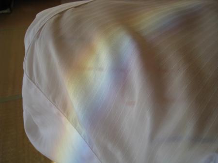 ワイシャツに虹