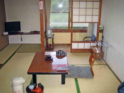 鯉川旅館室内