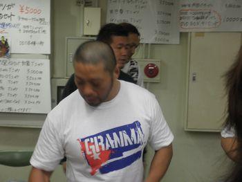 東郷さんのサインをもらうのも貴重な機会になりました。