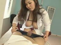 [無修正]爆乳の女教師が保健室で誘惑