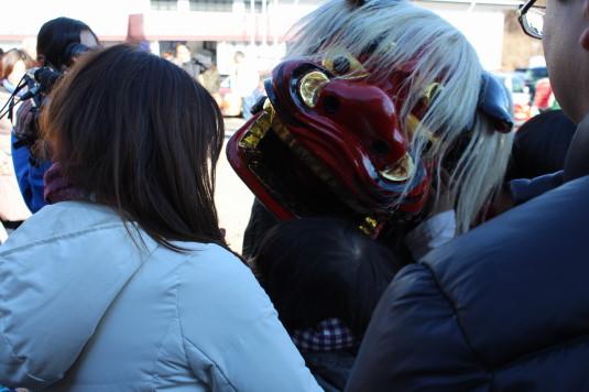 リフレふじよしだ新春祭り 獅子舞 カミツキ