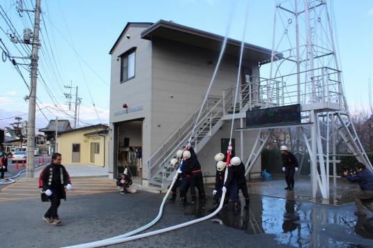水かけ出初式 放水2