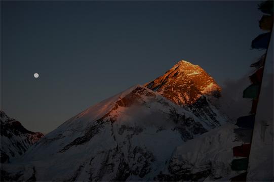 エベレスト残照
